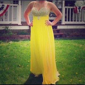 Dresses & Skirts - Yellow embellished sequin gown